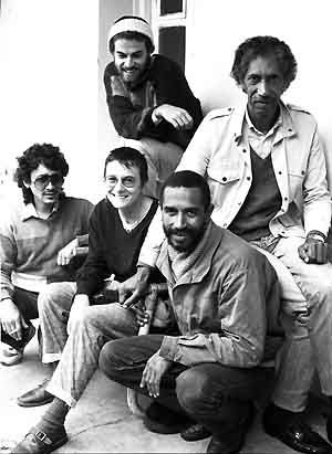Sabenza circa 1986: Basil Coetzee at front with (clockwise) Paula Goldstone, Tich Arendse, James Kibby and Paul Abrahams. (c) Steve Gordon
